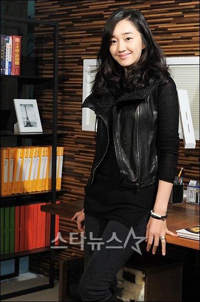 "Soo Ae, ""itu lebih baik untuk mengambil adegan ranjang dengan Kim"
